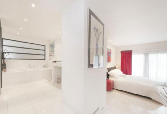 On The Market Three Bedroom Contemporary Modernist