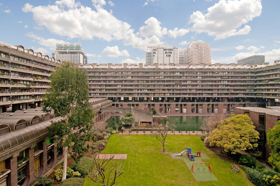 Barbican living: Type 20 apartment in Speed House on the Barbican Estate, London EC2Y