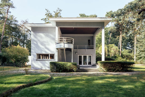 10. 1930s Leon Stynen-designed modernist property in Schoten, Antwerp, Belgium