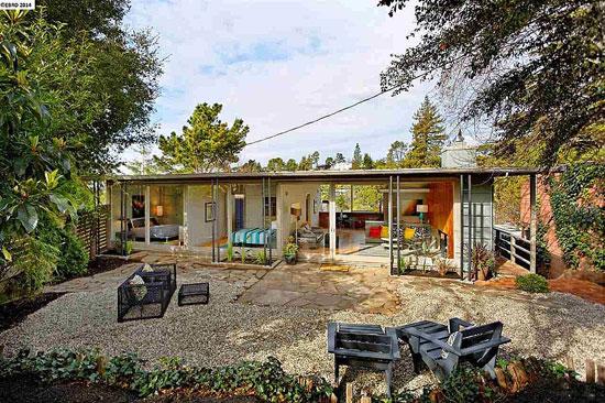14. 1940s two-bedroom midcentury modern property in Berkeley, California, USA