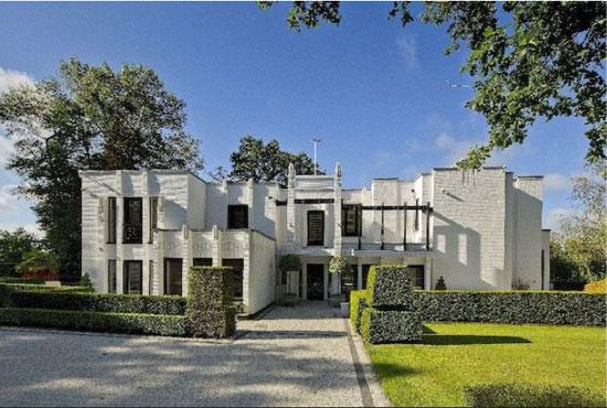 15. D E Harrington-designed The Whitehouse 1930s modernist property in Mill Hill, London NW7