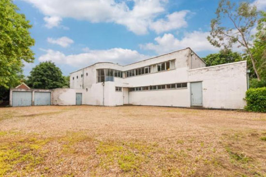 1930s Dyson and Hebeler-designed grade II-listed art deco property in Hilton, near Huntingdon, Cambridgeshire