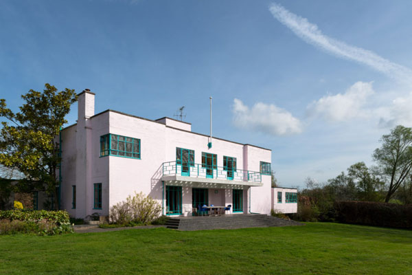 19. Grade II-listed art deco: 1930s Messrs Joseph and Sir Owen Williams-designed property in Great Easton, Essex