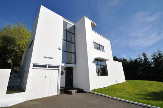 The First Sun House – 1930s Connell and Ward-designed modernist property in Amersham, Buckinghamshire
