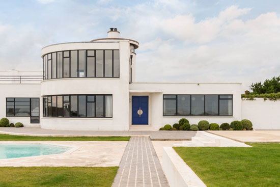 22. C. Evelyn Simmons art deco Sandcastle in Pevensey Bay, East Sussex