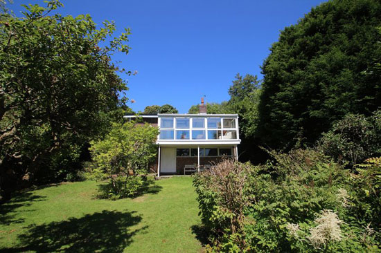 24. The Level House 1960s modernist property in Mayfield, East Sussex
