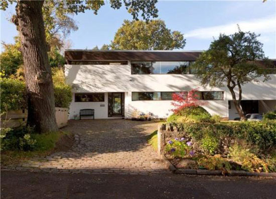 1960s Morris & Steedman-designed four-bedroom modernist property in Ravelston, Edinburgh, Midlothian