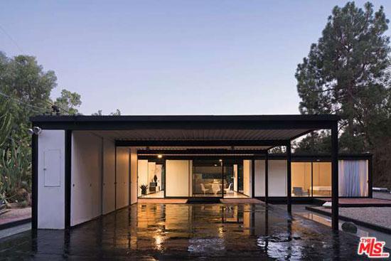 3. 1950s Pierre Koenig-designed Case Study House #21 in Los Angeles, California, USA