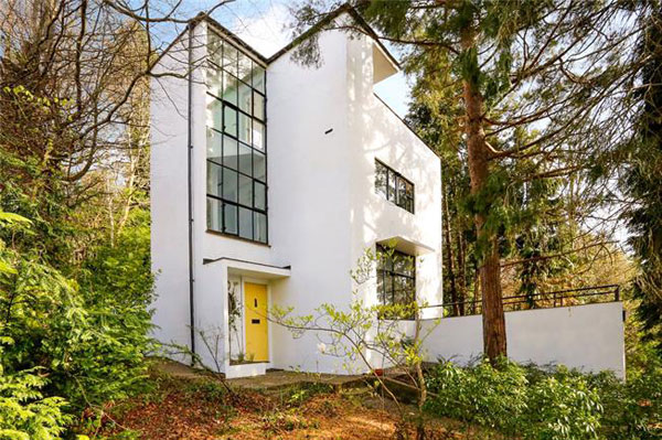 31. 1930s grade II-listed modernism: Amyas Connell and Basil Ward-designed Third Sunhouse in Amersham, Buckinghamshire