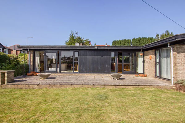 31. 1960s midcentury modern house in Penarth, Vale of Glamorgan