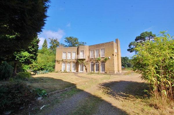 35. Art deco renovation project: 1930s four-bedroom property in Gerrards Cross, Buckinghamshire