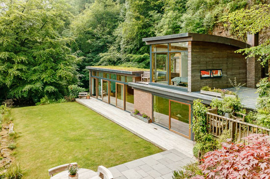 38. Contemporary modernist property in Symonds Yat, near Ross on Wye, Herefordshire
