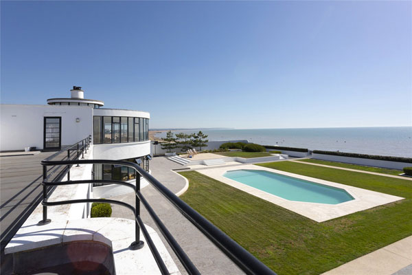 4. C. Evelyn Simmons art deco house in Pevensey Bay, East Sussex