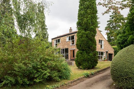 40. 1950s modernism: Alison & Peter Smithson-designed The Sugden House in Watford, Hertfordshire