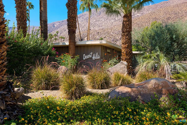 41. Midcentury hotel for sale: 1950s Herbert Burns-designed Desert Hills in Palm Springs, California, USA