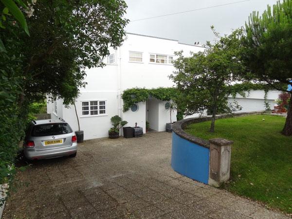 46. 1930s art deco property in Ovingdean, Brighton, East Sussex