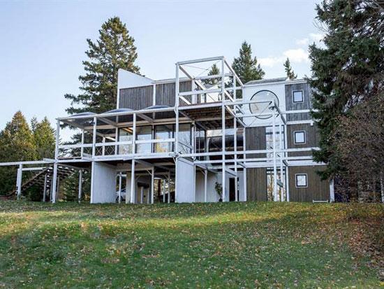 50. 1970s Jacques de Blois modern house in Saint-Damase-de-L'Islet, Quebec, Canada