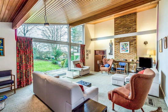 7. 1960s midcentury property in Ware, Hertfordshire