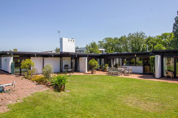 8. 1960s Hird and Brooks midcentury modern house in Penarth, Vale of Glamorgan