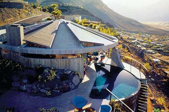 8. Bond classic: 1960s John Lautner-designed Elrod House in Palm Springs, California, USA