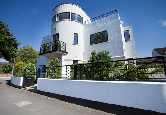 1930s Blenkinsopp and Scratchard-designed art deco property in Castleford, Yorkshire