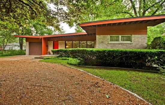 9. 1950s Vladimir Novak-designed midcentury modern property in East Glenview, Illinois, USA