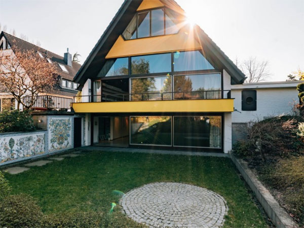 1970s modernist house with a bar in Dellbruck, Cologne, Germany