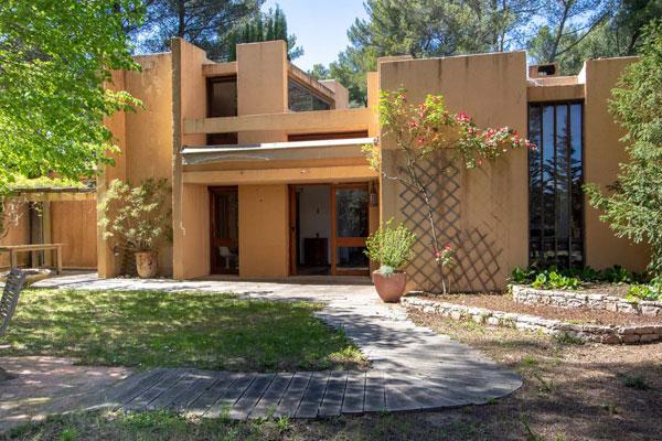 1960s Jean-Pierre Frapolli modern house near Aix-en-Provence, southern France