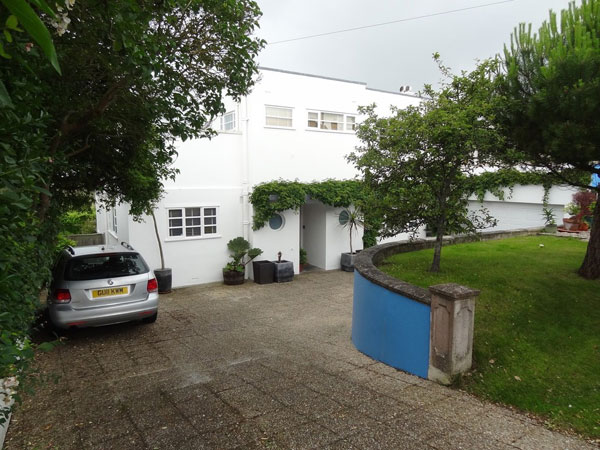 1930s art deco property in Ovingdean, Brighton, East Sussex