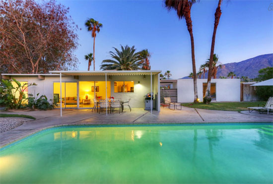 Airbnb find 1950s william krisel designed midcentury for Buy house palm springs