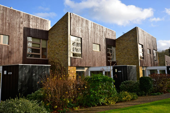 1960s Eric Lyons-designed Westfield Span House in Ashtead, Surrey