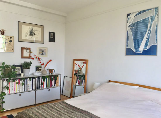 Airbnb apartment in 1930s Taymount Grange, London SE23