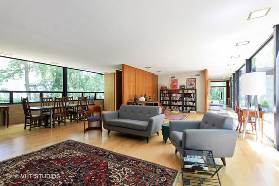 1950s modernism: A. James Speyer-designed property in Highland Park, Illinois, USA