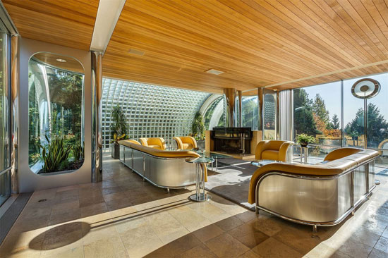 Arthur Erickson-designed Eppich 2 House in West Vancouver, British Columbia, Canada