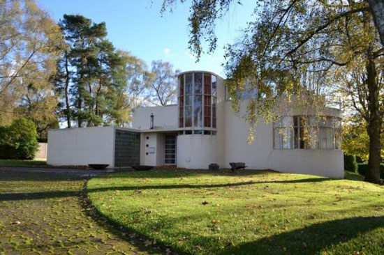 1930s Amyas Connell and Basil Ward-designed Usherwood art deco property in Abinger Hammer, near Dorking, Surrey