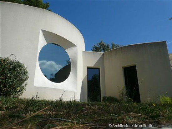 1980s Georges Adilon-designed modernist property in Montelimar, south east France