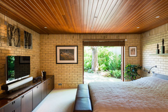 1960s Jorn Utzon-designed Ahm House in Harpenden, Hertfordshire
