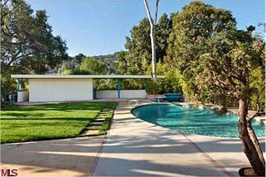 1950s Gregory Ain-designed Tufeld Residence in Studio City, California, USA