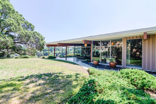 1950s Allen Walter-designed midcentury modern property in San Jose, California, USA