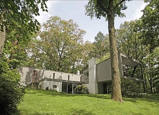 On the market: 1950s Edward Barnes-designed modernist property in Alpine, New Jersey, USA