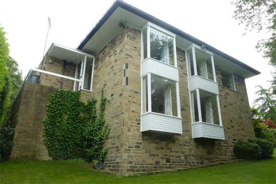 1960s Arthur Quarmby-designed modernist property in Almondbury, Huddersfield, West Yorkshire