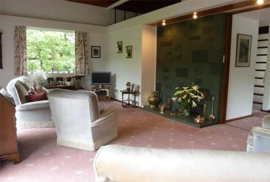 1960s Arthur Quarmby-designed modernist property in Almondbury, Huddersfield, West Yorkshire