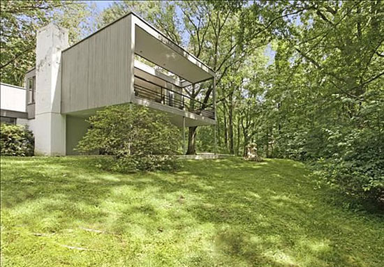 1950s Edward Barnes-designed modernist property in Alpine, New Jersey, USA