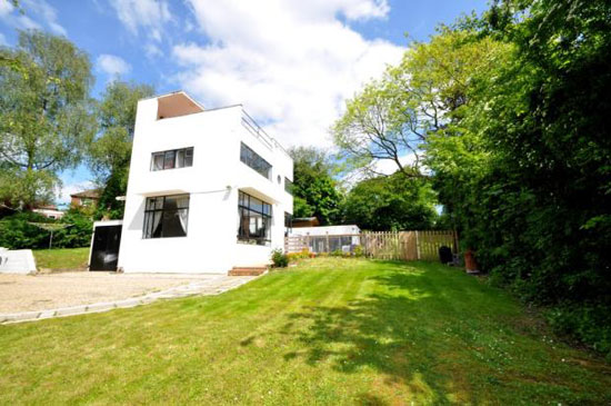 1930s Connell and Ward-designed Sun House modernist property in Amersham, Buckinghamshire