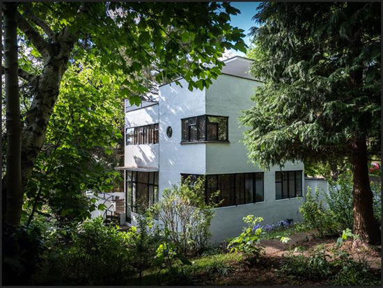 1930s grade II-listed modernism: Amyas Connell and Basil Ward-designed Third Sunhouse in Amersham, Buckinghamshire