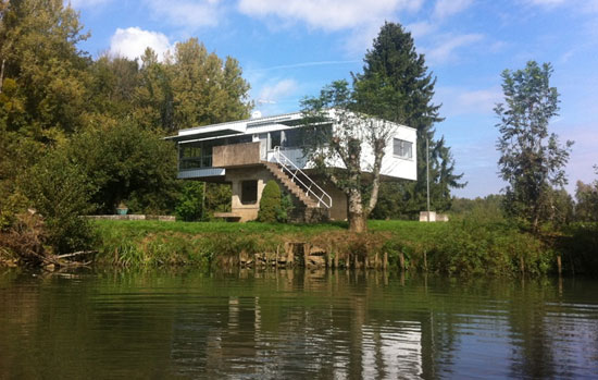 1960s Andre Maisonnier-designed modernist property in Val de Saone, central France