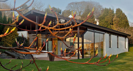 Holiday let: 1970s Peter Aldington-designed Anderton House in Goodleigh, Devon