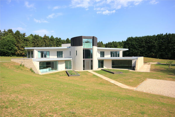 Contemporary modernist property in Andoversford, Gloucestershire