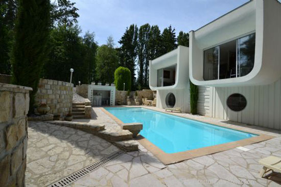 On the market: 1960s Paul Andreu-designed modernist property in Seine-et-Marne, Ile-de-France, France