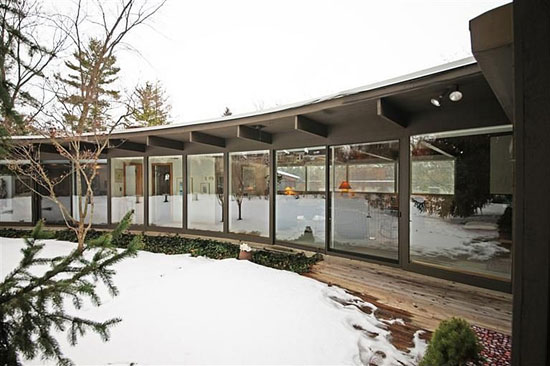 1950s George Brigham-designed midcentury modern property in Ann Arbor, Michigan, USA